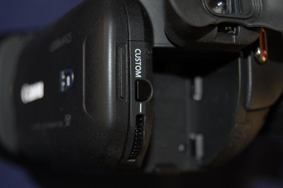 Canon HF-G25 control dial