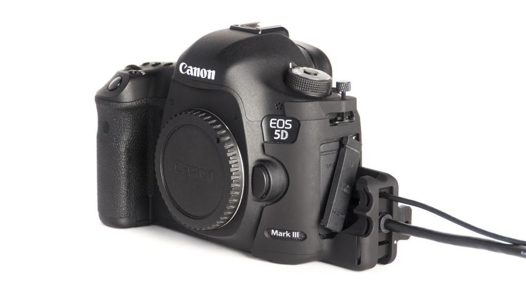 SmallHD HDMI lock for Canon 5DMk3