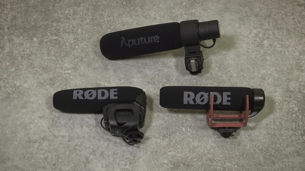 Aputure V-Mic D2 size comparison with Rode mics