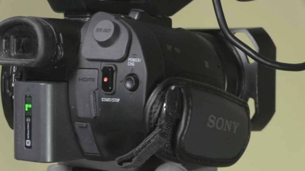 Sony PXW-X70 RHS back controls