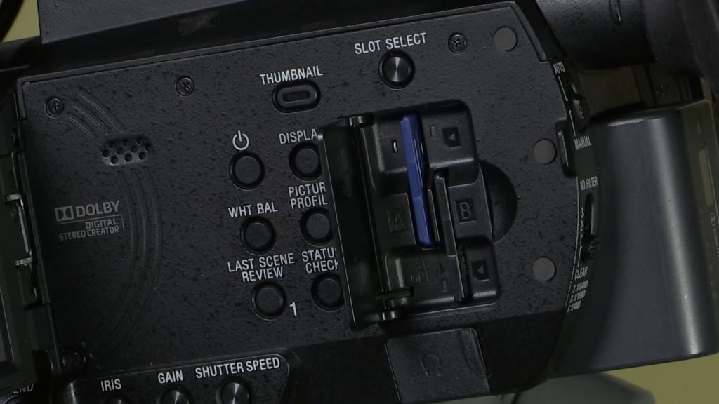 Sony PXW-X70 dual SDXC card slots