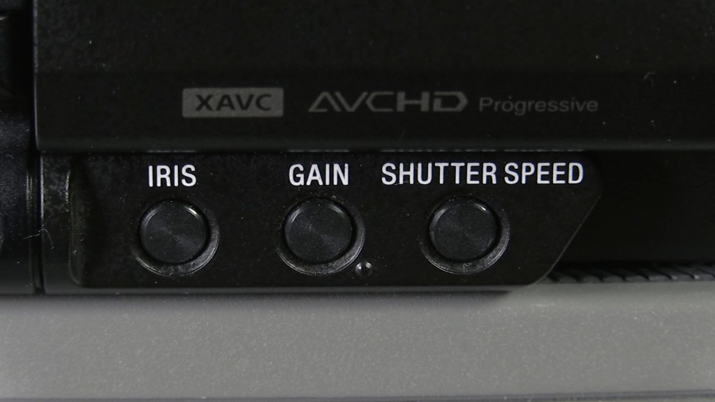 Sony PXW-X70 exposure buttons